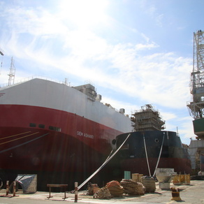 Premijer Andrej Plenković posjetio je 3. maj, nakon što je na jučerašnjoj sjednici Vlade donijela još jednu odluku koja će omogućiti pokretanje proizvodnje u riječkom brodogradilištu.