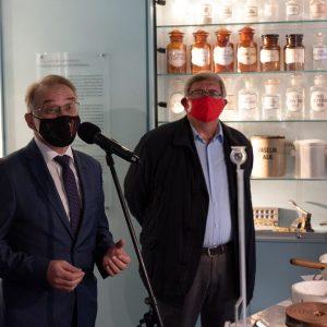 Ivo Usmiani i Vojko Obersnel na otvorenju Muzeja farmacije