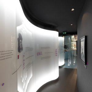 3D zmija u Muzeju farmacije
