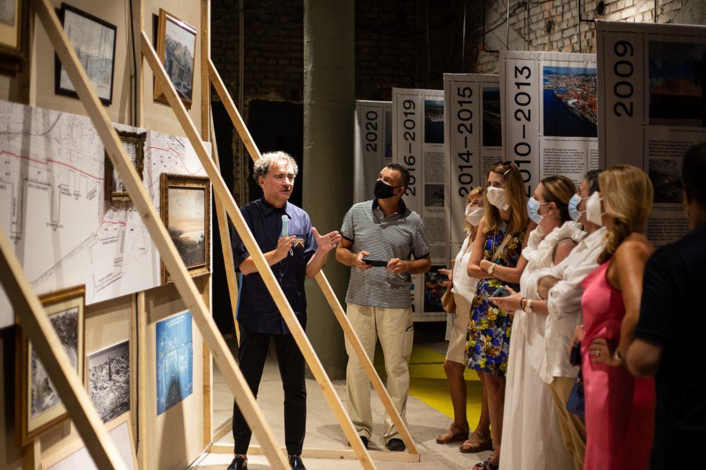 Idis Turato vodi izložbom Fiume Fantastika / Foto by Matija Kralj