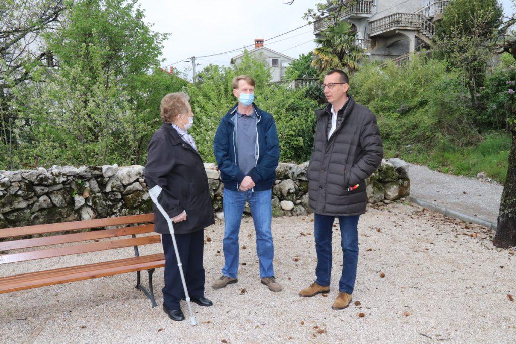 Zamjenik gradonačelnika s članovima obitelji Josipa Mohorića