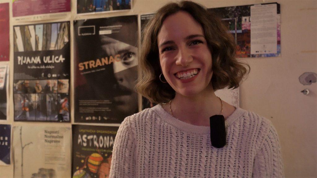 Marina Rajšić diplomirala je na Akademiji primijenjenih umjetnosti u Rijeci