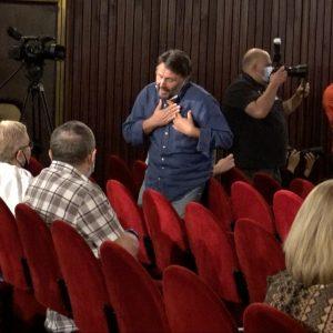 Projekciji je prisustvovala i filmska ekipa koja je razgovarala s gledateljima